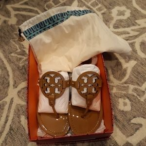 LIKE NEW Tory Burch Miller sandals size 8.5